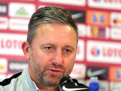 官方消息,波兰国家队与主帅布任切克续约至2021年