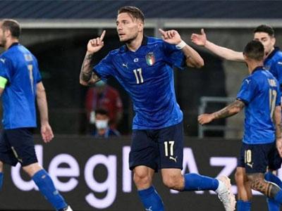 因莫比莱传射,因西涅破门,友谊赛意大利4-0大胜捷克