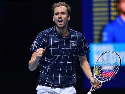 首尝胜绩!ATP总决赛梅德韦杰夫逆转纳达尔挺进决赛
