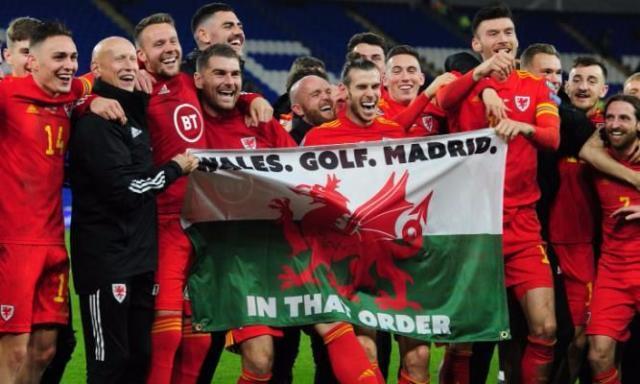 高尔夫高于皇马!贝尔高举威尔士国旗欢庆