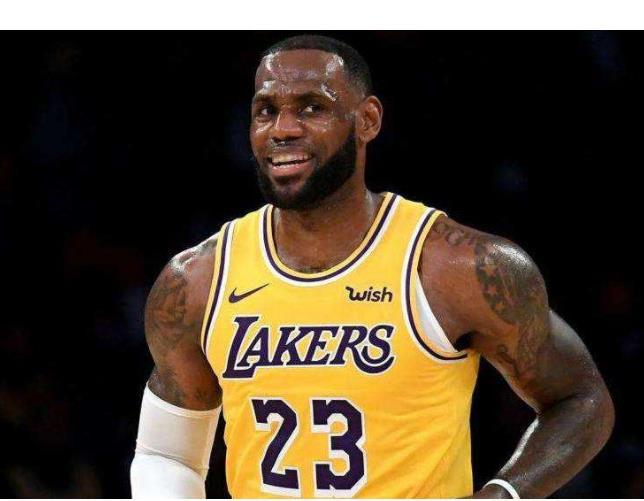 詹皇仅第二?盘点NBA现役4大球场指挥官