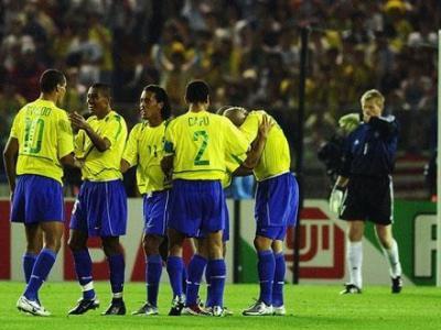 经典回顾!02年世界杯巴西大战德国战车