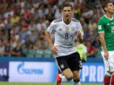 德国主帅勒夫表示,曾想过把格雷茨卡改为右后卫