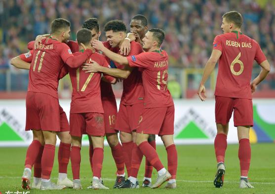 葡萄牙3-2波兰取小组赛两连胜,AB席齐建功
