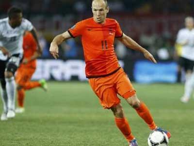 荷兰主帅接受采访,不排除征召罗本进入荷兰队的可能性