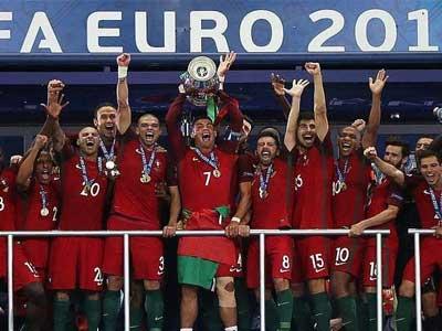 C罗领衔2016年欧洲杯最佳阵容