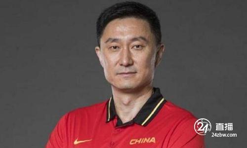 杜锋:低谷时期的中国篮球要打出精气神,体育强则国强