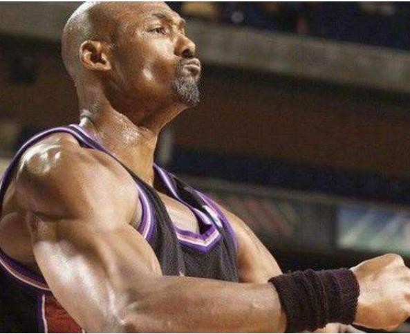 肌肉猛男!盘点NBA史上最强壮十人