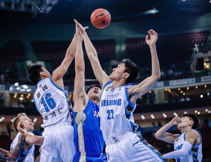 北京99-83江苏豪取七连胜 杰克逊砍23分