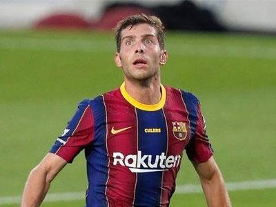 官方消息,巴塞罗那后卫罗贝托右大腿前直肌肉受伤