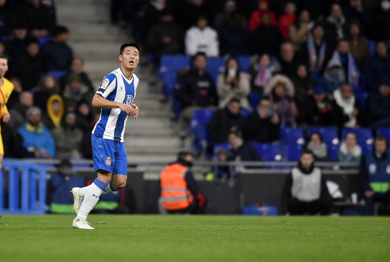 西媒:武磊希望留下帮助球队冲甲 他已厌倦被当做广告工具