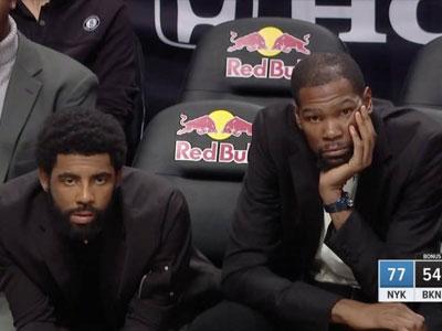 篮网落后尼克斯23分,欧文杜兰特一脸惆怅